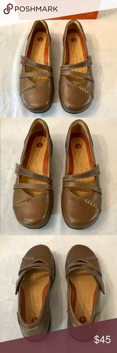 Clark's Leather Shoes. NWT Enjoy a stylish, versatile Clarks classic shoe designed for all day comfort. Leather upper, padded insole, textured outsole, adjustable cross strap with Velcro closure.  code 0403-04 Clarks Shoes Flats & Loafers