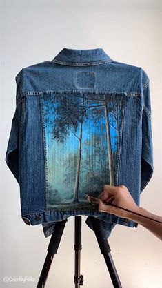 Painted Denim Jacket Fox in the Forest Painted Denim Jacket Fox in the Forest ColorByFeliks colorbyfeliksart Painting Timelapse Videos For more videos like this check out my nbsp hellip videos fabric Painted Denim Jacket, Painted Jeans, Painted Clothes, Customised Denim Jacket, Distressed Denim, Hand Painted, Denim Kunst, Diy Clothes Videos, Denim Ideas