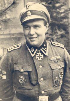 """Le """"SS-Hauptscharführer"""" Adolf Peichl, le NCO le plus décoré des forces allemande pendant la seconde guerre mondiale"""