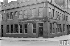 Tom Pedergast's liquor distribution house supplied all the bars in KC.  It was at 5th and Delaware - 1938