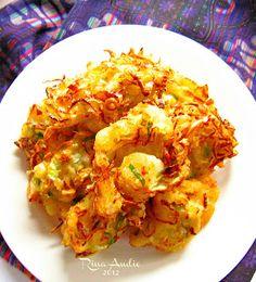 Resep cara membuat bakwan sayur http://resepjuna.blogspot.com/2016/04/resep-bakwan-sayur-bala-bala.html masakan indonesia