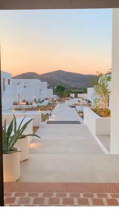 Paros Island, Mykonos Island, Greece Tourist Attractions, Myrtos Beach, Greece Tours, Lindos Videos, Santorini Travel, Greece Travel, Couple