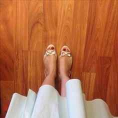 Trying on wedding shoes the night before #weddinginspiration #summerwedding