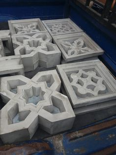 Concrete Molds, Concrete Crafts, Concrete Art, Concrete Blocks, Breeze Block Wall, 3d Panels, Cinder, 3d Wall, Modern House Design