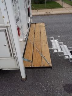 Truck Camper : deck and stairs