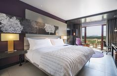 Take pleasure in ideal comforts re-designed with a modern twist at our Classic Rooms.  Visit http://lemerid.ie/1TPu78a to book a leisurely stay!