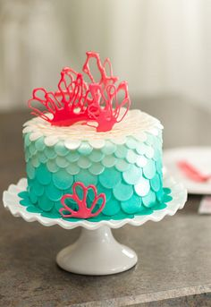 Gorgeous Coral Cake Design using fondant dots in an ombre pattern and isomalt for the coral decorations Pretty Cakes, Beautiful Cakes, Amazing Cakes, Little Mermaid Birthday, Little Mermaid Parties, Cupcakes, Cupcake Cakes, Coral Cake, I Need Vitamin Sea