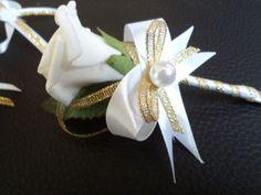 Svadobné pierko biela ruža- biela+ zlatá lurex Brooch, Floral, Rings, Flowers, Jewelry, Jewlery, Jewerly, Brooches, Ring