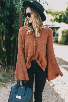 Great outfit idea to copy ♥ For more inspiration join our group Amazing Things ♥ You might also like these related products: - Jeans ->. Classy Outfits, Pretty Outfits, Stylish Outfits, Fashion Outfits, Girly Outfits, Fashion Clothes, Beautiful Outfits, Fashion Ideas, Cozy Fall Outfits