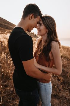 cape town engagement Shoot Couple Shoot tips what town wear sunset mountain Photoshoot Inspiration, Couple Shoot, Wedding Photoshoot, Engagement Shoots, Cape Town, Beautiful Images, Big Day, Mountain, Sunset