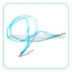 Collar de organza azul