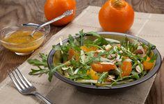 Τέσσερις σαλάτες για το γιορτινό τραπέζι - iCookGreek Thai Red Curry, Spinach, Salads, Tasty, Vegetables, Ethnic Recipes, Greek, Food, Essen