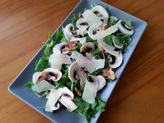 Foodie in Translation: Insalata di rucola, funghi e grana