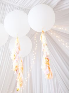 How to Use Giant Balloons in Your Wedding Decorations - Bickiboo Designs Large Balloons, Giant Balloons, White Balloons, Number Balloons, Helium Balloons, Balloon Decorations, Wedding Decorations, Balloon Tassel, Tassel Garland