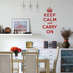 How to Remove Vinyl Wall Stickers and Decals to freshly paint walls. Wall Stickers Quotes, Vinyl Wall Decals, Wall Transfers, Sticker Removal, Wall Writing, Latte Macchiato, Vinyl Lettering, Just In Case, Home Accessories