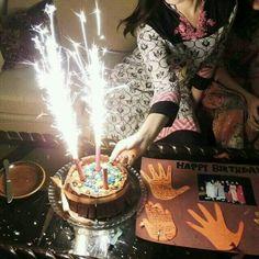Happy Birthday Flower, Beautiful Birthday Cakes, Happy Birthday Candles, Happy Birthday Images, Birthday Pictures, Bday Girl, 1st Birthday Girls, Birthday Pins, Birthday Blast