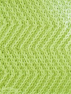 Twist Zig Zag stitch      Skill: Intermediate     Yarn shown in this swatch: Katia 100% cotton.       Needles: US 3 - 3.25mm.