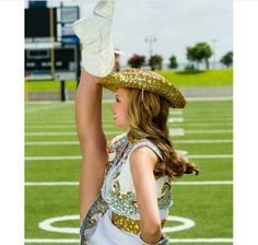 Kick your hat (-: Drill Team Pictures, Dance Senior Pictures, Senior Photos Girls, Team Photos, Senior Pics, Senior Portraits, Dance Tips, Dance Poses, Picture Poses