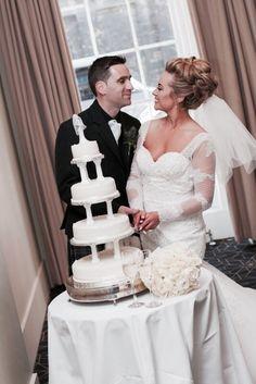 Wedding cake, gorgeous updo xxx