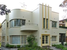 Deco houses in the UK are sadly relatively rare.
