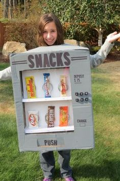 Celebrate with HERSHEY'S: DIY Vending Machine Costumes + Giveaway (20 Winners)