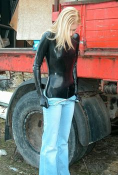 Latex * Jeans