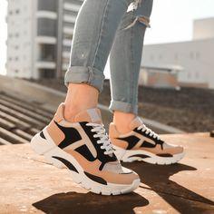 Moda Sneakers, Casual Sneakers, Sneakers Fashion, Casual Shoes, Fashion Shoes, Sneaker Boots, Funny Shoes, Kawaii Shoes, Aesthetic Shoes