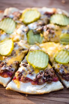 How to make the best homemade hamburger pizza on a campfire. Easy campfire pizza with ketchup, mustard, and pickles, cooked in a cast iron skillet. Outdoor Cooking Recipes, Grilling Recipes, Veggie Recipes, Lunch Recipes, Easy Dinner Recipes, Camping Recipes, Milk Recipes, Veggie Food, Easy Dinners