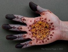 woad+indigo+painting | another great hand with indigo, henna/mehndi and turmeric