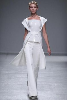 #Style#Outfit#  - Runway Gareth Pugh  Ready-to-Wear Collection