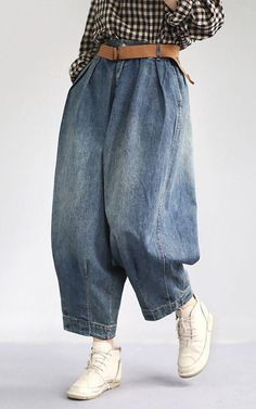 Women Spring Vintage Solid Loose Turnip Pants Jeans Jeans loose Pants Solid Spring trousers Turnip Vintage Women is part of Jeans - Classy Outfits, Trendy Outfits, Vintage Outfits, Ladies Outfits, Classy Clothes, Chic Outfits, Vintage Clothing, Vintage Dresses, Summer Outfits