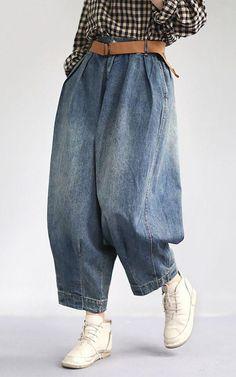 Women Spring Vintage Solid Loose Turnip Pants Jeans Jeans loose Pants Solid Spring trousers Turnip Vintage Women is part of Jeans - Tomboy Outfits, Mode Outfits, Classy Outfits, Trendy Outfits, Vintage Outfits, Ladies Outfits, Classy Clothes, Chic Outfits, Vintage Clothing