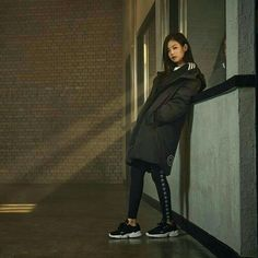 Adidas Korea launch new collection for Fall Winter 2018 with BLACKPINK as their model. Their new collection is now available on . Kim Jennie, Yg Entertainment, K Pop, South Korean Girls, Korean Girl Groups, Korea Winter, Rapper, Blackpink Photos, Blackpink Fashion