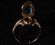 Enlarged Picture: Memorial Ring - Birmingham Museums & Art Gallery Information Centre