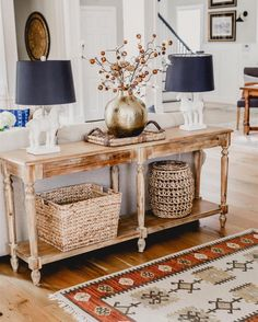 Beautiful Entry Table Decor Ideas to give some inspiration on updating your house or adding fresh and new furniture and decoration. Sofa Table Decor, Sofa Tables, Entry Table Decorations, Sofa Table Styling, Entry Tables, My Living Room, Living Room Decor, Console Table Living Room, Entryway Console