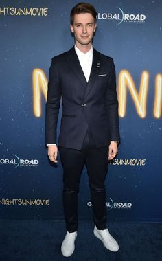 15 Style Lessons From Patrick Schwarzenegger Patrick Schwarzenegger, Fiesta Dress, Well Dressed Men, Formal Wear, Tuxedo, Gentleman, Looks Great, Nice Dresses, Cool Outfits