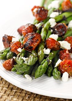 Asparagus with Balsamic Tomatoes - Balsamic anything- my favorite new things. Summer's coming!! Thanks @Bevvvvverly Hart via Beverly Hart onto Good Eats I've Made.