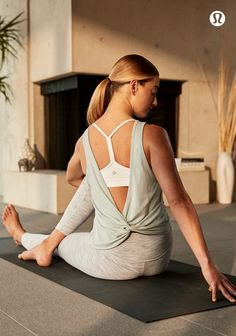 A Woman doing yoga on a mat in the Twist It Tank and WU HR tight. Yoga Fashion, Fitness Fashion, Sport Fashion, Lululemon Align Pant, Lululemon Sale, Womens Workout Outfits, Fitness Outfits, Fitness Wear, Yoga Fitness