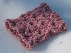 Candle Flame Stitch/Free Pattern.  Candle Flame Cowl by Julia Allen
