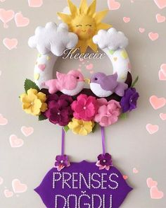 Baby Crafts, Felt Crafts, Crafts To Make, Crafts For Kids, Felt Flowers, Paper Flowers, Felt Wreath, Felt Baby, Felt Decorations