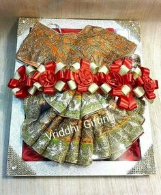 Wedding Gift Packing. Indian Wedding Gifts, Bengali Wedding, Desi Wedding, Wedding Crafts, Wedding Decorations, Trousseau Packing, Wedding Gift Wrapping, Mehndi Decor, Marriage Gifts