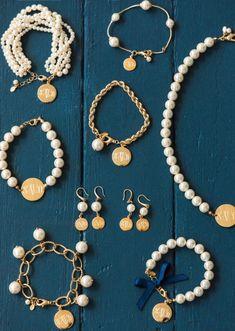 Pearl Drop Chain Bracelet - Pearl Drop Chain Bracelet Informations About Pearl Drop Chain Bracelet Pin You can easily use my pro - Cute Jewelry, Pearl Jewelry, Jewelry Crafts, Beaded Jewelry, Jewelery, Handmade Jewelry, Beaded Necklace, Beaded Bracelets, Bulgari Jewelry