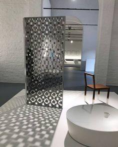 "FRAGMENT screen, design Nendo | ""INVISIBLE OUTLINES"" exhibition at CID Centre d'innovation et de Design au Grand Hornu, Belgium | #cidgrandhornu #nendo www.glasitalia.com"