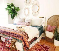Incridible Bohemian Style Bedroom Design and Decoration Ideas - Boho Bedroom Decor Bohemian Interior Design, Bohemian Bedroom Decor, Bohemian Style Bedrooms, Trendy Bedroom, Bedroom Inspo, Home Bedroom, Bedroom Wall, Bedroom Ideas, Boho Style