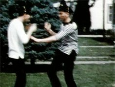 """inessentialhouses: """" Buddy Holly and Jerry Allison reenact the knife fight scene from Rebel Without a Cause [x] """" Buddy Holly Musical, Popular Music Artists, Holly Pictures, Ritchie Valens, Us Presidents, Bob Dylan, Old Photos, Rockabilly, Rock And Roll"""