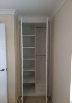 fitted bedroom wardrobe with mirror doors