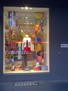Jigsaw Stores Feature Huge Paper Chains in Store Windows   Contents: Party + Christmas + Gift + Home