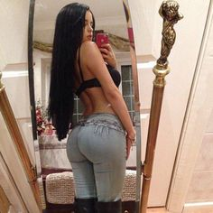 girls in tight jeans 30 These jeans never stood a chance (35 Photos)