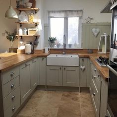 Over the years, many people have found a traditional country kitchen design is just what they desire so they feel more at home in their kitchen. Shabby Chic Kitchen, Home Decor Kitchen, Rustic Kitchen, Country Kitchen, Kitchen Ideas, Kitchen Designs, Kitchen Trends, Sage Green Kitchen, Green Kitchen Cabinets