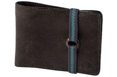Com estilo despojado, a carteira Napoli é espaçosa e com tamanho ideal para…